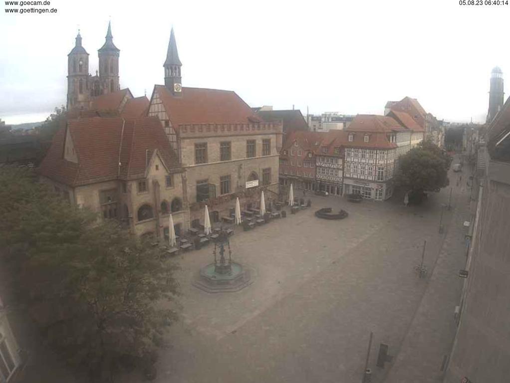 Webcam Göttingen, Rathaus mit Gänseliesel-Brunnen ...